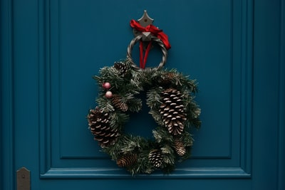 How to decorate your house for Christmas